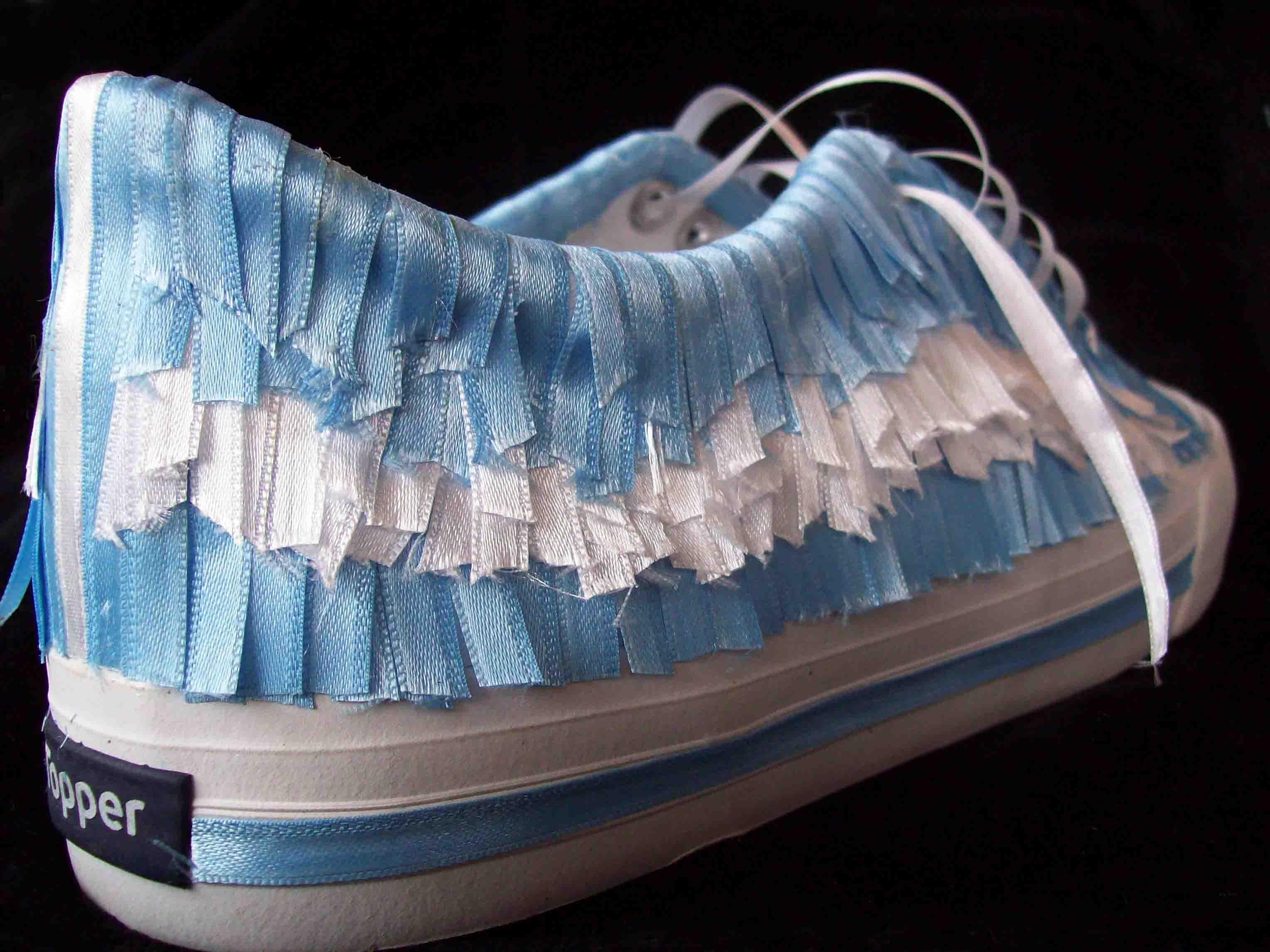 Zapatilla Topper bicentenario celeste y blanca- cintas ensambladas, detalle   2010