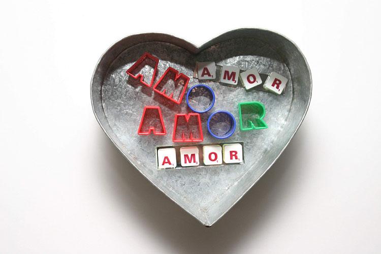 El Amor, objetos ensamblados, 2005.