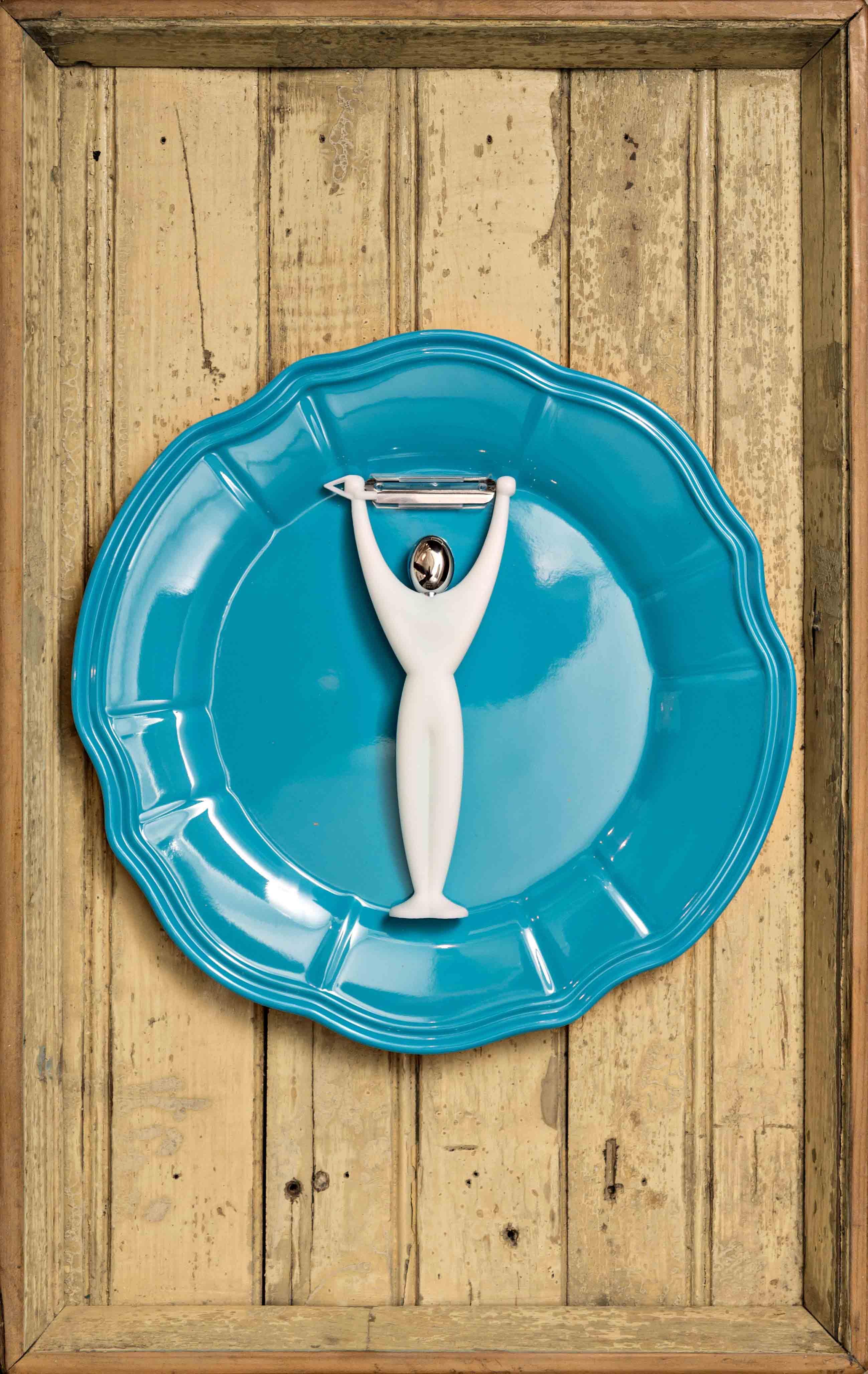 Equilibrio, objetos ensamblados, 54 x 36,5 cm, 2012