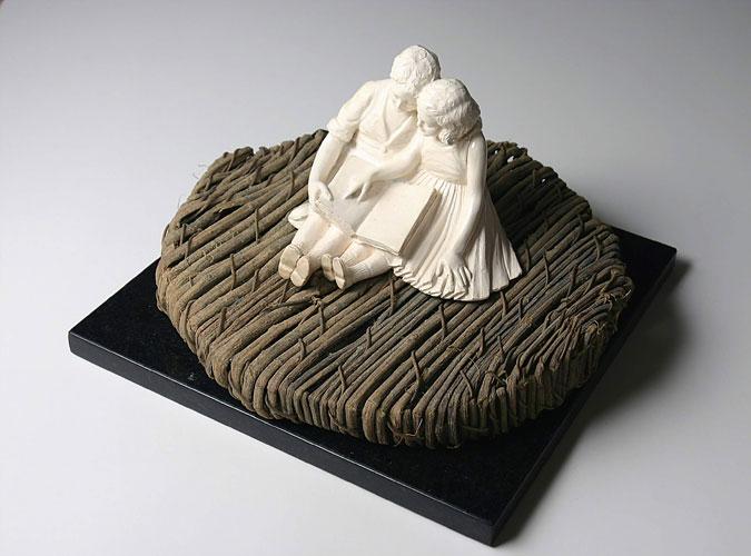 La lectura, objetos ensamblados, 2005.