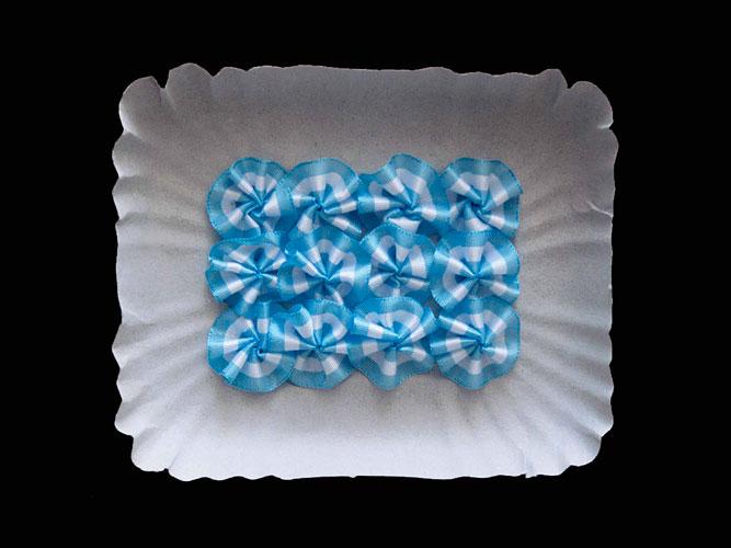 La argentinidad, objetos ensamblados sobre cartón, 2011.