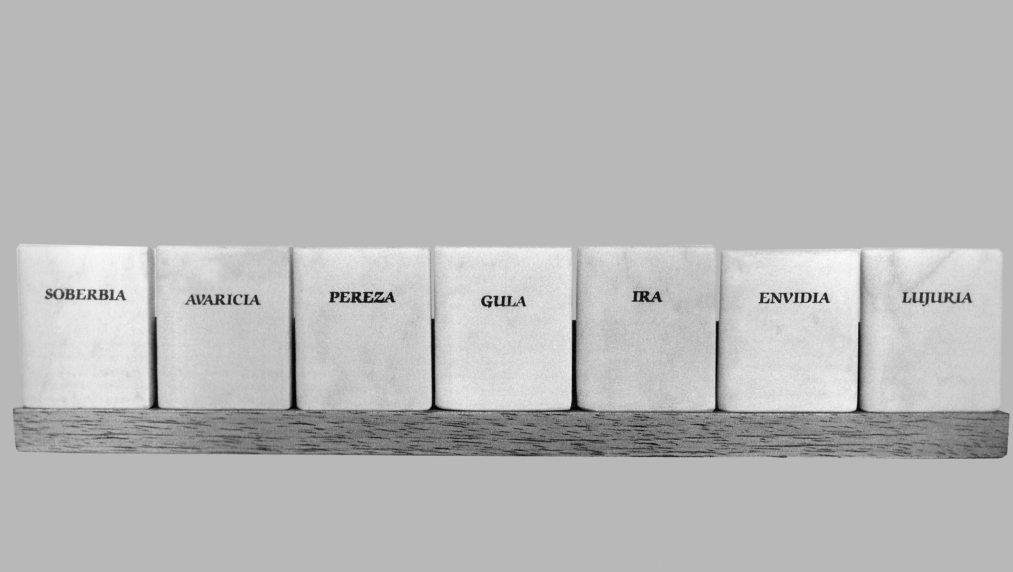 Los Siete Pecados Capitales,libros en mármol de Carrara, 5 cm x 3 cm x 1,5 cm cada uno, 1984