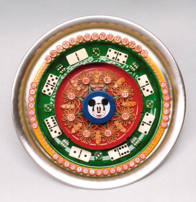 Mickey (serie La mesa está servida), objetos ensamblados, 1999