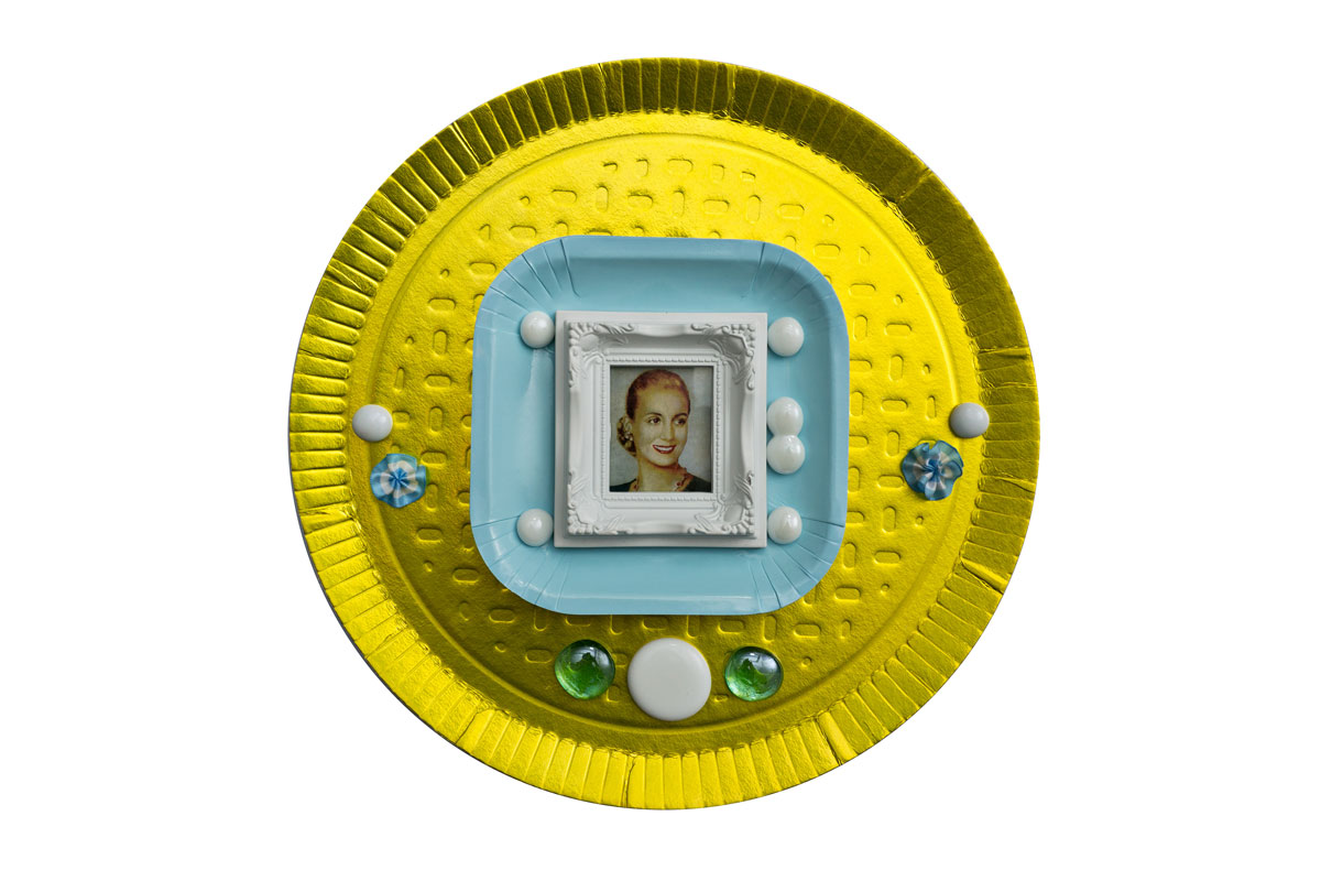Por siempre Evita I, objetos ensamblados, 2012