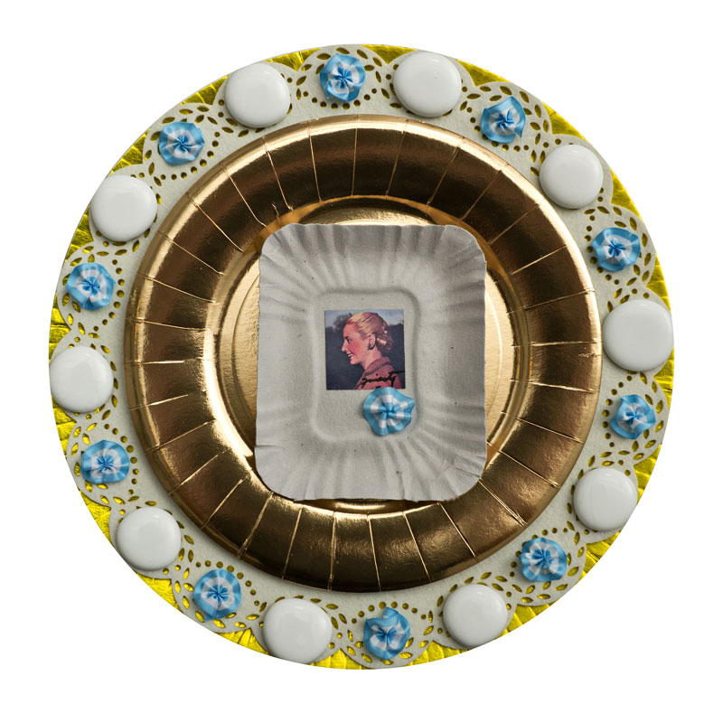 Por siempre Evita II, objetos ensamblados, 2012