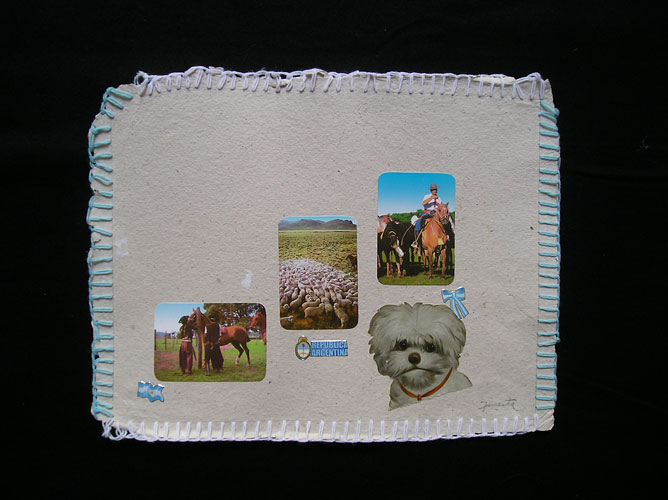 República Argentina, postal / Papel collage y bordado, 30 x 40 cm. 2006.