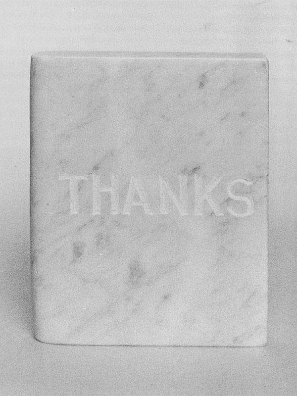 Thanks, libro en mármol de carrara, 12 cm x 3 cm x 15 cm, 1984