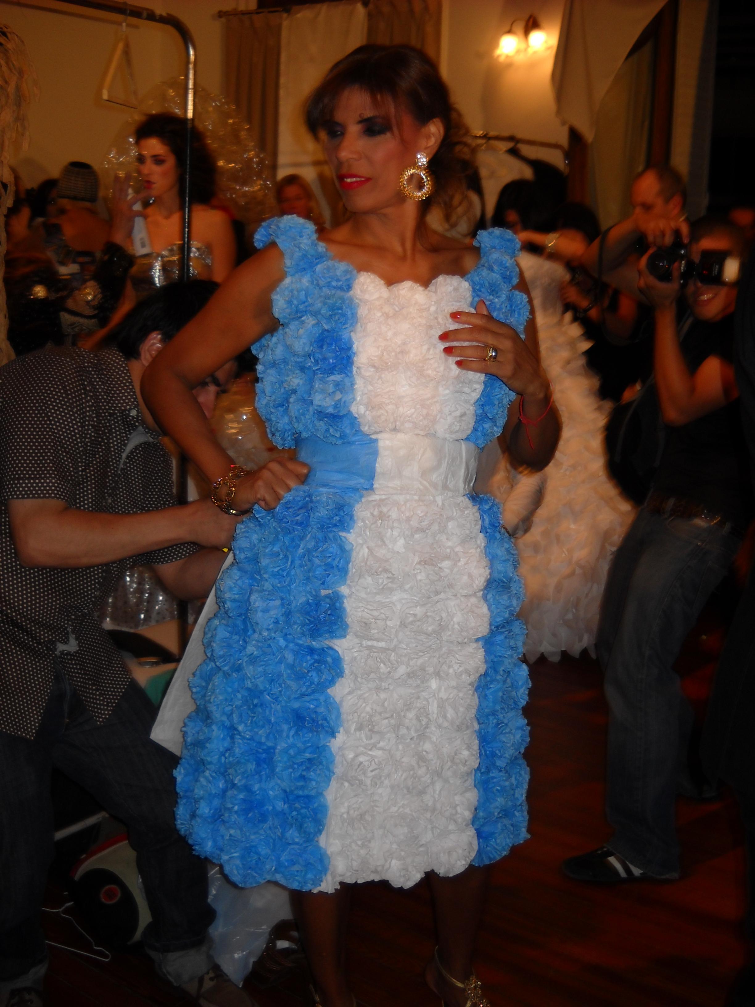 La noche de DARA 2009 vestido La Patria, Anamá Ferreira