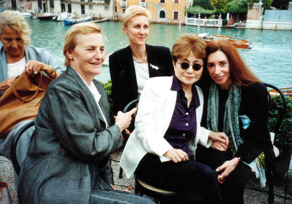 Yoko Ono Nora Iniesta, Lido 2002 (2)