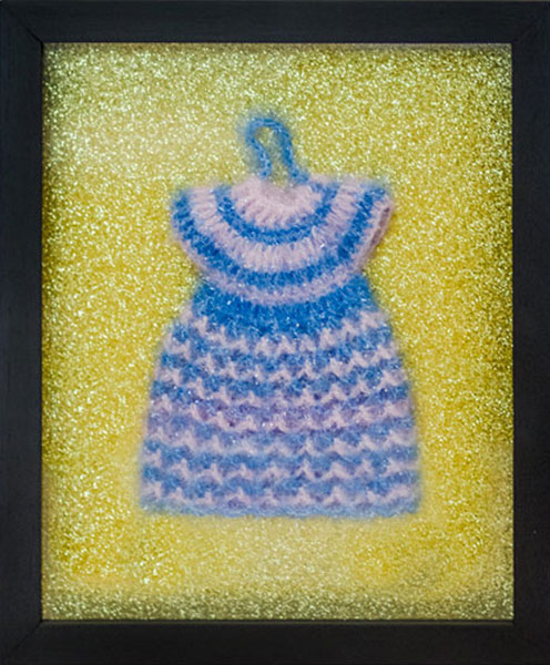Vestido, lana y papel; 30 cm x 25 cm. 2015