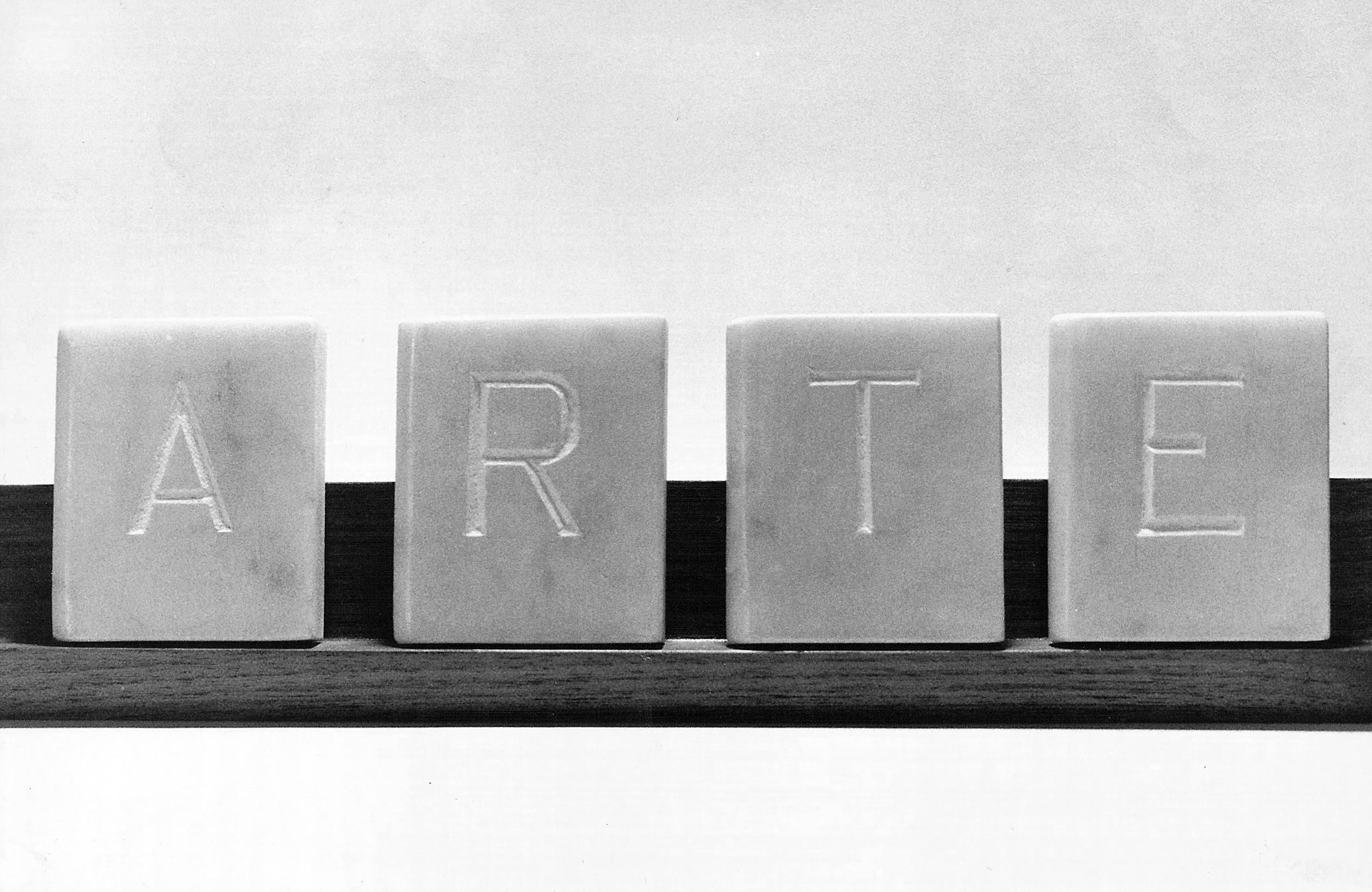 Abecedario, ARTE libros en mármol de Carrara 6 cm x 5 cm x 1,5cm, 1984