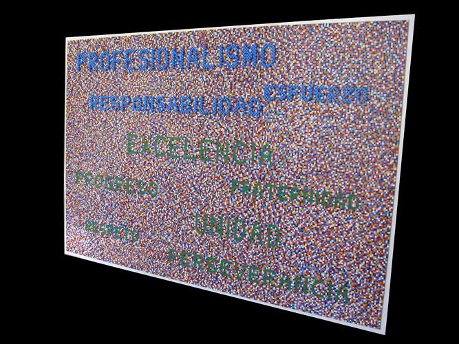 Centro de Diagnóstico Rossi 30 años, ensamblaje de piezas Rasti sobre madera, obra participativa, 3x1x0,085 m, 2010.