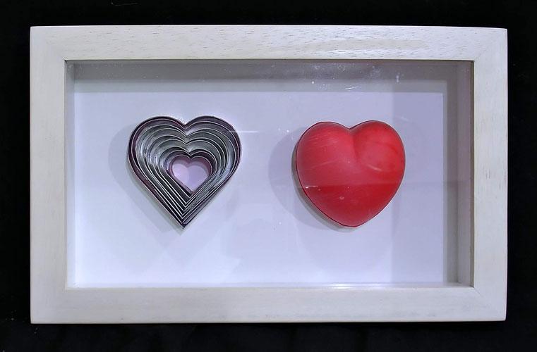 Corazón-Corazón, objetos ensamblados, 2002.