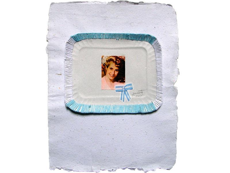 Evita cotidiana, collage y bordado, 30 x 40 cm, 2007