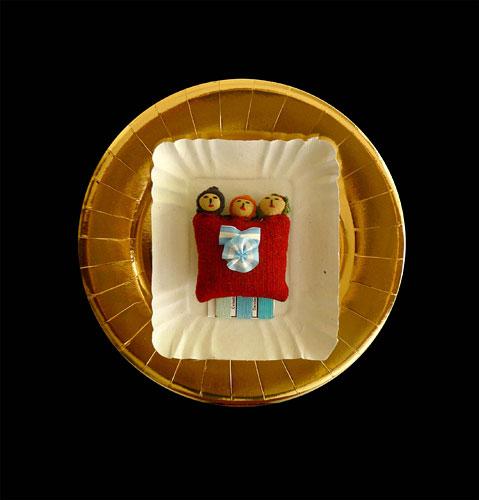 Norte argentino, objetos ensamblados, 35 x 35 x 9 cm, 2011.