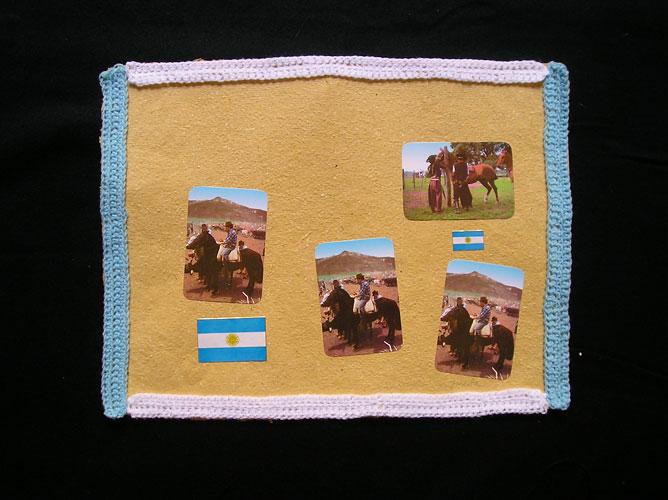 El campo II / Papel collage y bordado, 30 x 40 cm. 2006.