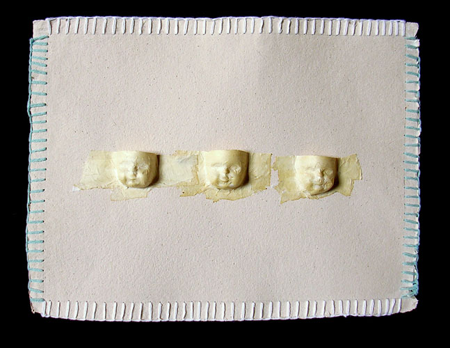 Identidad x 3, gofrado sobre papel, 2006.