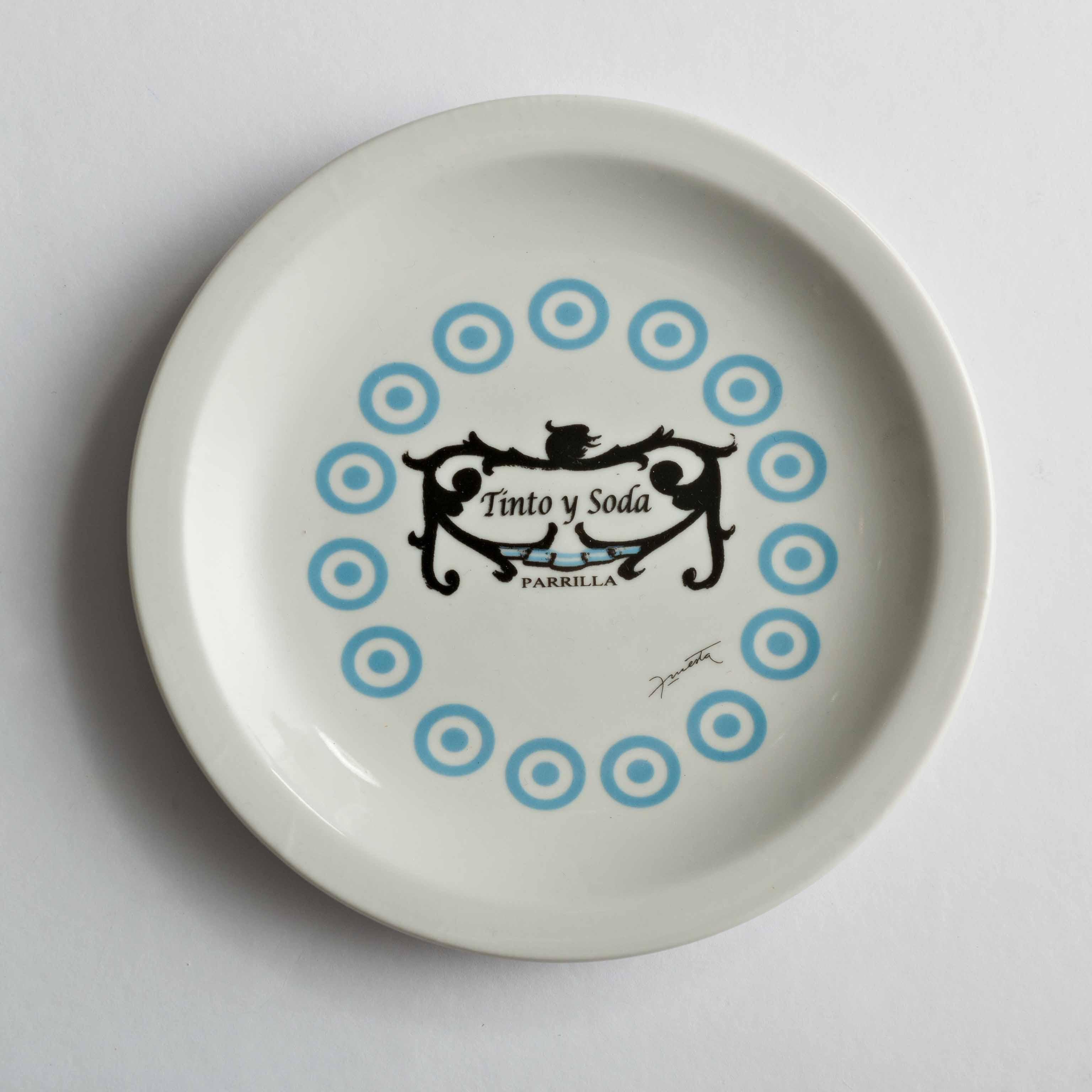 Tinto y Soda Restaurant, impresión sobre cerámica, 2011