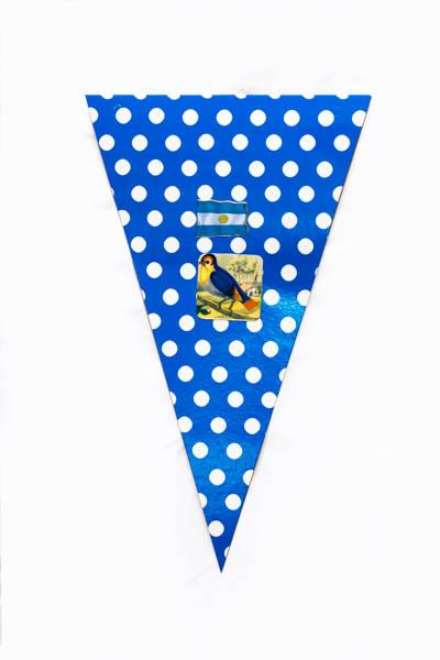 Argentina Pop IX. Serie de 10 banderines, papel impreso y papel collage;medidas variables. 2015