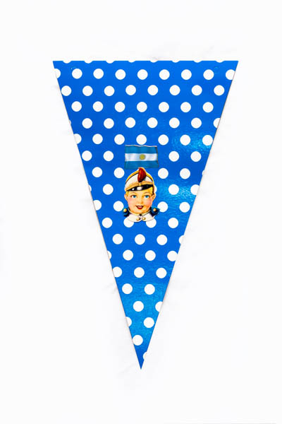Argentina Pop V. Serie de 10 banderines, papel impreso y papel collage;medidas variables. 2015
