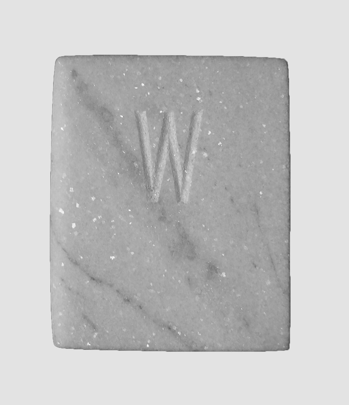 Abecedario, W libro de mármol de Carrara, 18 cm x 3 cm x 15 cm, 1984